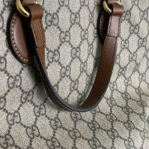 GUCCI • AUTHENTIC Adjustable shoulder/handbag